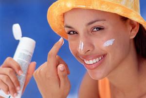 Sunscreen-On-Face