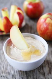 Peanut-Butter-Honey-Yogurt-Dip-4